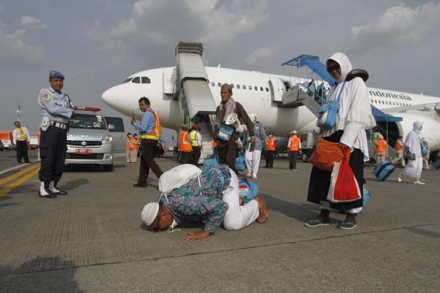 Kepulangan Jamaah Haji Kloter Pertama Embarkasi Bandara Hasanuddin