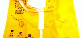 Membuat Panik Penumpang Lion Air Memakai Baju Pelampung di Pesawat